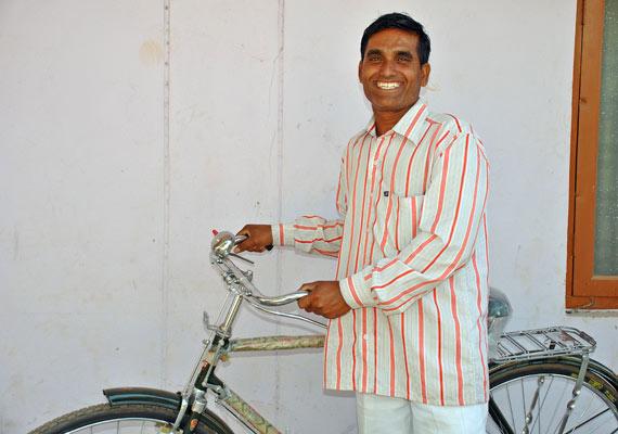 mmf-hatya-with-bicycle