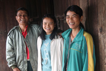 Picture of family in Myanmar