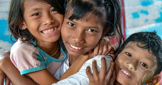 Picture of children in Yangon